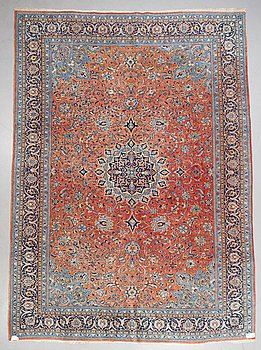 A carpet, Old Sarouk, parobably, ca 393 x 287 cm.
