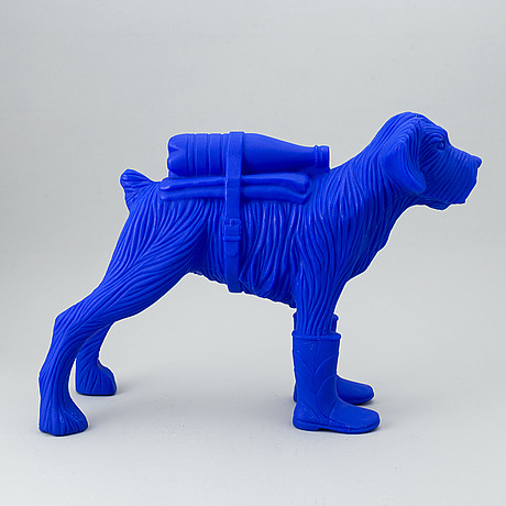 William sweetlove, sculpture, plastic, signed 15/200.