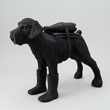 William Sweetlove, sculpture, plastic, signed 21/200.