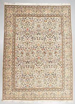 Matta, Täbris, ca 358 x 257 cm.