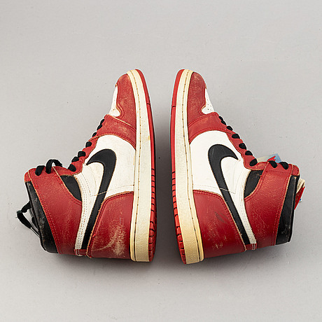 Sneakers, 'air jordan 1 chicago', nike, 1985.