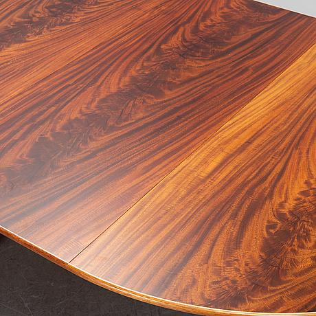 A model 771 mahogany dining table by josef frank for firma svenskt tenn.