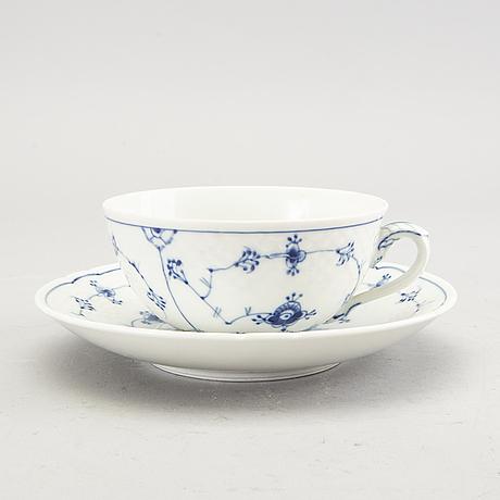 A 26 pcs musselmalet tea service  from bing & gröndahl denmark later part of the 20th century.