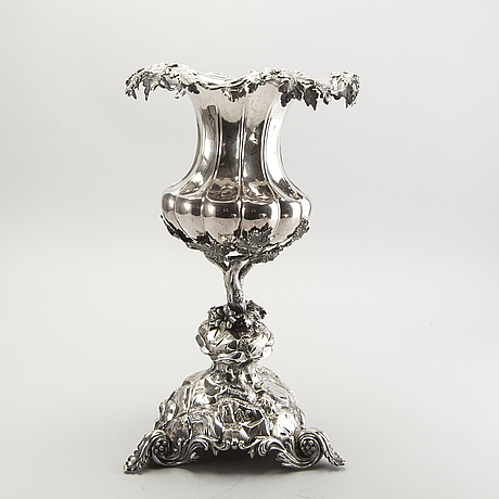 Gustaf möllenborg vinkylare/uppsatsvas, silver,  nyrokoko, stockholm 1869.
