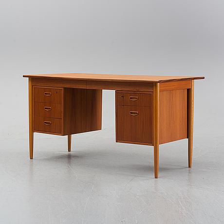 A 1950/60's oak and teak writing desk.