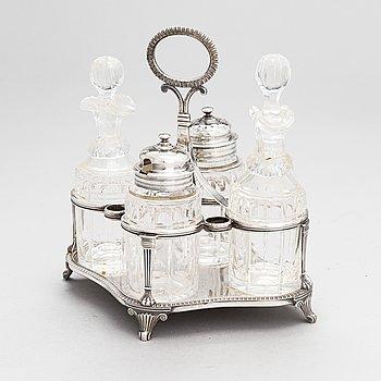 Mausteikko, hiottu lasi, sterlinghopea, Samuel Hennell och Robert Hennell III, Lontoo 1811 ja 1879.