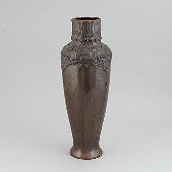 Vas, brons, jugend, 1900-talets början.