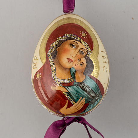 Ägg, 3 st, porslin, ryssland, 1800-talets andra hälft.