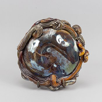 A glass sculpture by Gunilla Kihlgren.
