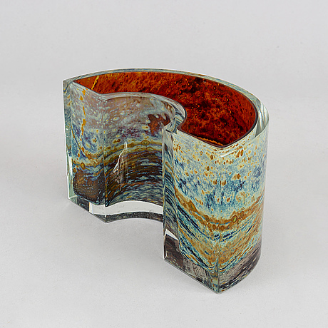 A vase/sculpture by ivo rozsypal, the czech republic, signed and dated -83.