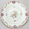 A set of 13 chinese porcelain famille rose plates.
