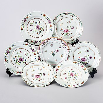 A set of 7 different Chinese Qianlong porcelain plates.