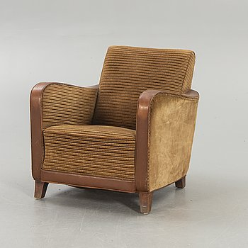 A 1940s easy chair.