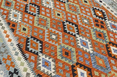 A carpet, kilim, ca 291 x 203 cm.