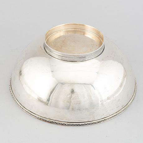 A silver bowl, maker's mark cf carlman, stockholm, 1940.