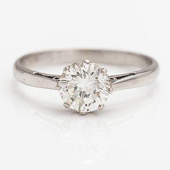 Sormus, platinaa ja timantti n. 1.05 ct. Todistuksella.