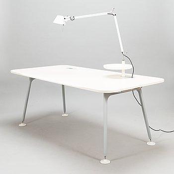 Jasper Morrison, a 21st century 'ATM System' working desk for Vitra.