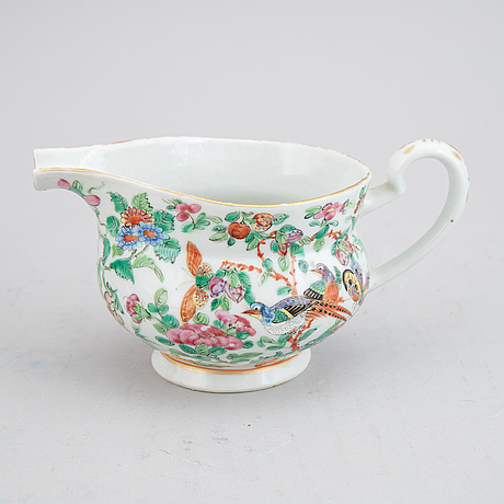 13 famille rose canton porcelain objects, qing dynasty, late 19th century.