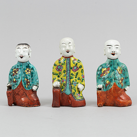 Three famille rose export porcelain figurines, qing dynasty, 19th century.