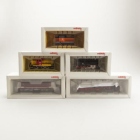 5 märklin locomotives.