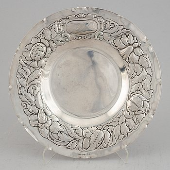 A Swedish silver Baroque style platter, maker's mark GAB, Stockholm, 1943.