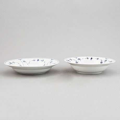 Royal copenhagen, 29 pieces of 'musselmalet riflet' porcelain, denmark.