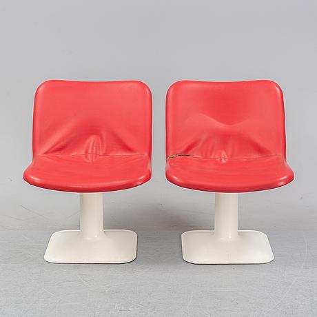 Yrjö kukkapuro, a table and a set of six chairs.