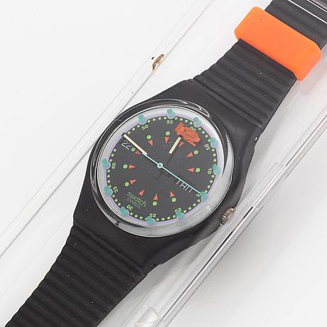 Swatch, batticuore, wristwatch, 34 mm.