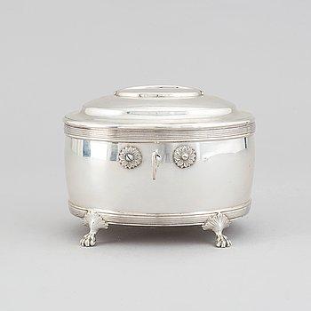 A swedish silver sugar box, mark or Oscar Sjögren, Stockholm 1918.