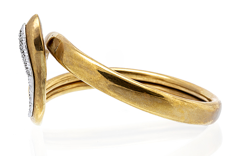 Bangle 18k gold with brilliant-cut diamonds, inner circumference approx 19 cm, flexible opening.