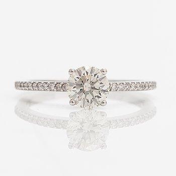Ring, 14K vitguld, diamanter ca 0.93 ct tot.