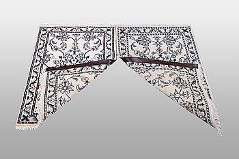 Mattor, 2 st, Nain part silk, ca 90 x 64 cm.