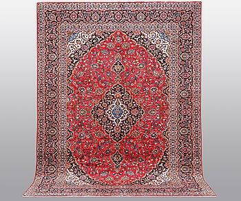 A carpet, Kashan 394 x 296 cm.