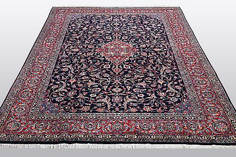 A carpet, semi-antique/old semnan, ca 288 x 207 cm.