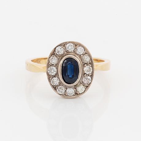 Ring, med safir och briljantslipade diamanter.