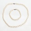 A pearl collier and bracelet with cultured pearls and silver clasps. pirami.
