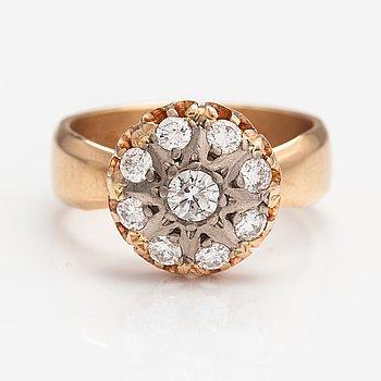 Eero Rislakki, A 14K gold ring with diamonds ca. 0.85 ct in total. Westerback, Helsinki 1959.