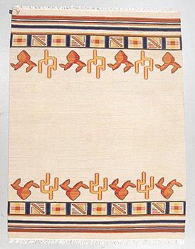 A carpet, flat weave, ca 229 x 171-174,5 cm, signed Å, Axeco.