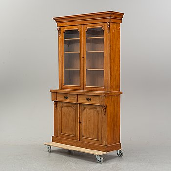 A book cabinet, eary 20th century.