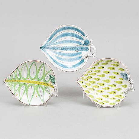 Stig lindberg, three earthenware dishes, gustavsberg studio.
