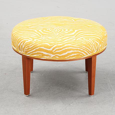 A model 647 stool by josef frank for firma svenskt tenn, designed 1936.