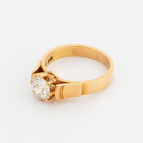 Ring med gammalslipad diamant ca 1,30 ct.