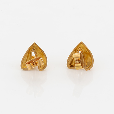 Lapponia, 18k gold and pearl earrings.