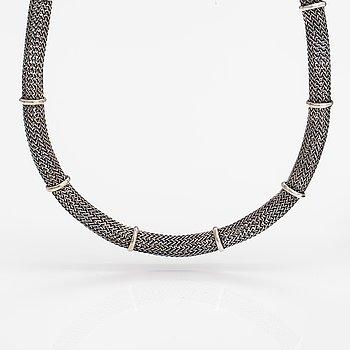 Saara Hopea, A sterling silver necklace. Ossian Hopea, Porvoo.