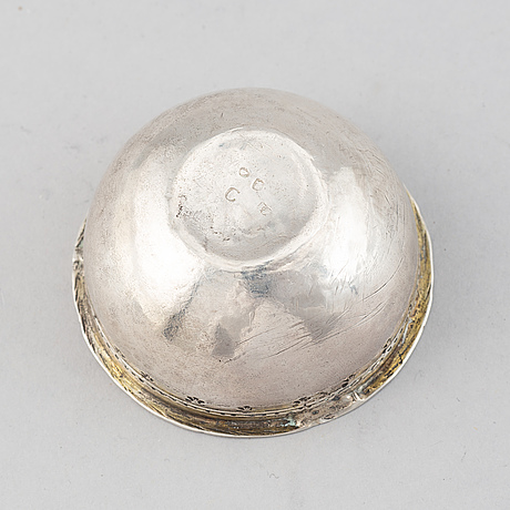 A swedish silver tumbler, mark of isac sauer, stockholm 1761.