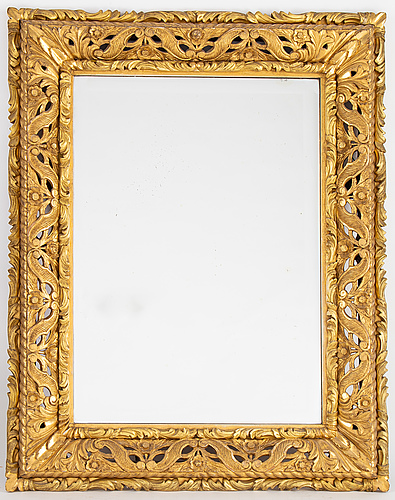 A baroque style mirror, firts hal of the 20th century.