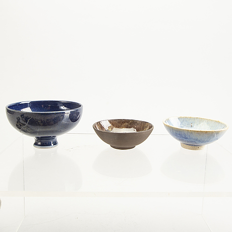 30 pcs of miniature bowls and vases later part of the 20th century.