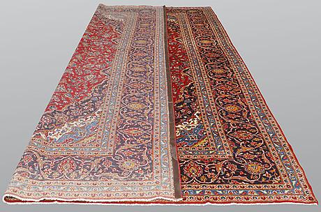 A carpet, kashan, ca 435 x 293 cm.