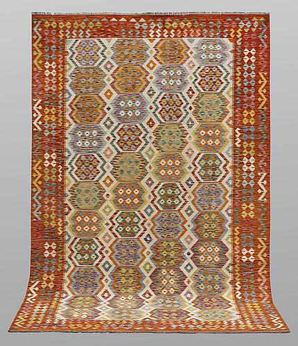 A carpet, kilim, ca 301 x 206 cm.