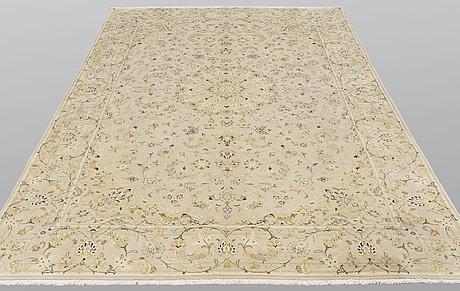 A carpet, kashan, ca 304 x 198 cm.